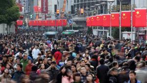 Tłumy na ulicach Szanghaju