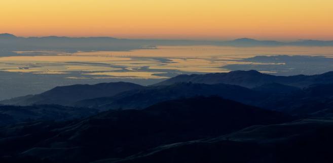 Dolina Krzemowa o zachodzie słońca