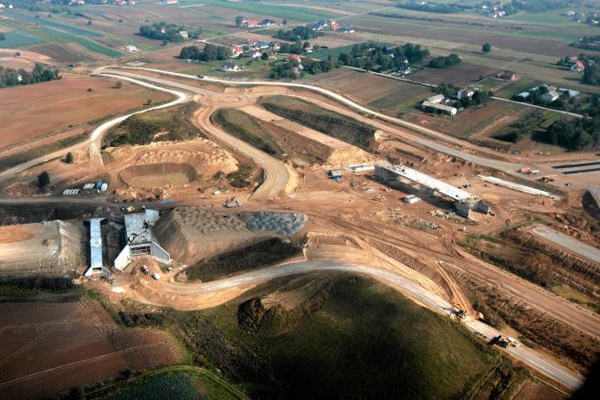 Lubelszczyzna . Budowa i okolice budowy trasy ekspresowej S 17 , widziane z lotu ptaka (4)