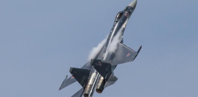 Rosyjski myśliwiec Su-35 podczas pokazu Paris Air Show 2013. Fot. Fingerhut / Shutterstock.com