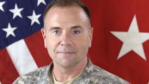 Generał Frederick Ben Hodges, dowódca wojsk amerykańskich w Europie