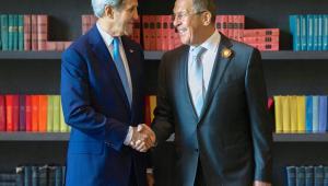 Siergiej Ławrow i John Kerry Szef NATO alarmuje: Rosja wciąż zwiększa siły na terytorium Ukrainy EPA/RUSSIAN MFA PRESS SERVICE Dostawca: PAP/EPA.