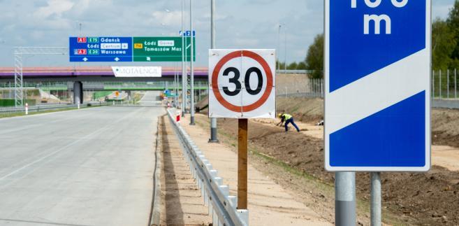 Budowa autostrady A1 na odcinku Stryków-Tuszyn . (mr) PAP/Grzegorz Michałowski