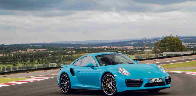Porsche 911 Turbo S Miami Blue fot. materialy prasowe
