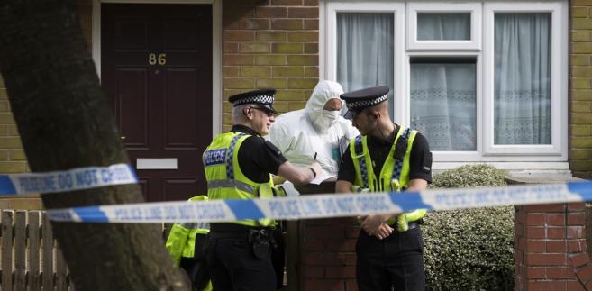 Policja przed domem podejrzanego o zamordowanie brytyjskiej posłanki Jo Cox. Bristall, Wielka Brytania, 10.06.2016.