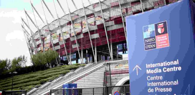 Wejście na stadion PGE Narodowy w Warszawie, gdzie, 8 bm. odbywa się szczyt Sojuszu Północnoatlantyckiego. Podczas dwudniowego szczytu NATO mają zapaść decyzje wzmacniające bezpieczeństwo m.in. na wschodniej flance Sojuszu a także decyzje o dalszym rozszerzaniu NATO. (cat) PAP/Leszek Szymański