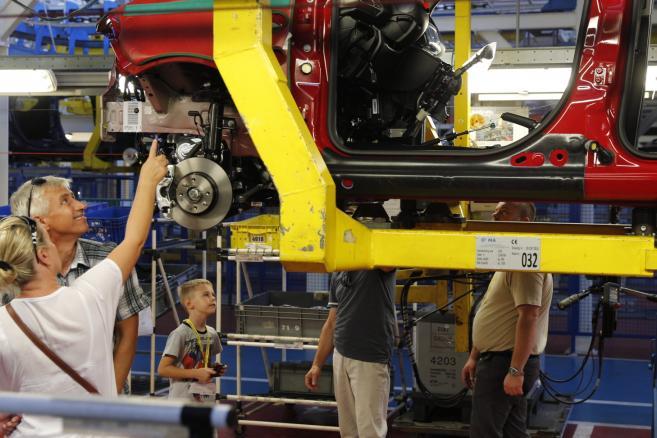 Dzień Rodzinny GCA Poland w fabryce Fiat Chrysler Automobiles w Tychach (mr) PAP/Andrzej Grygiel