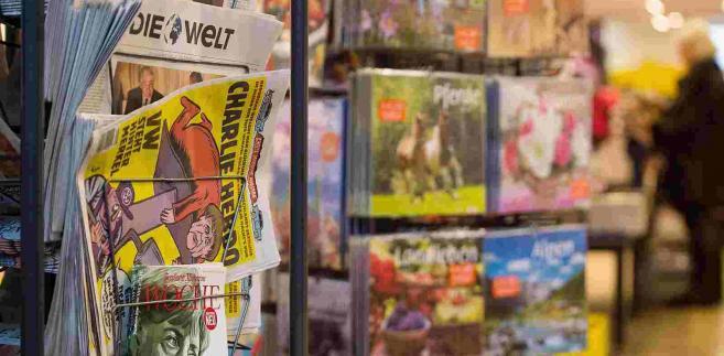 Merkel na okładce Charlie Hebdo EPA/LINO MIRGELER Dostawca: PAP/EPA.