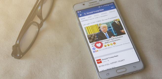 Trump smartfon internet facebook