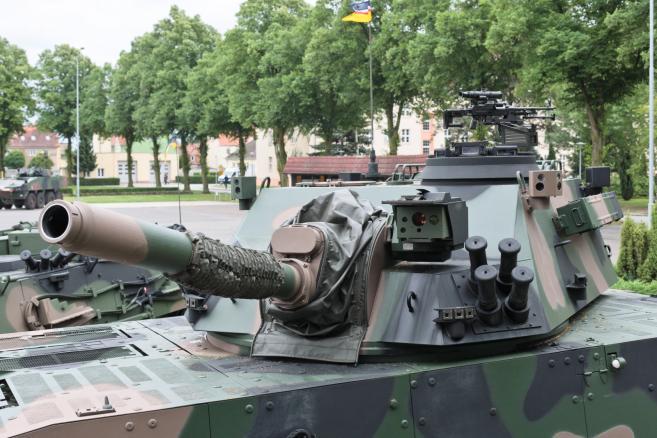 Nowy sprzęt Siłach Zrojnych - moździerz samobieżny RAK na podwoziu KTO Rosomak. (mr) PAP/Lech Muszyński