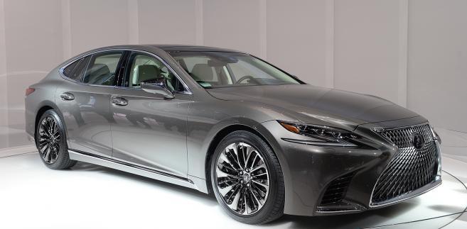 Nowy Lexus LS 500h. Auto dla prezesa, który chce uchodzić za odpowiedzialnego i nowoczesnego