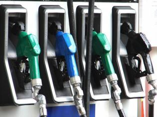 Wyraźnie utrzymują sie dysproporcje pomiędzy cenami benzyny i oleju napędowego - na korzyść cenową napędu. Różnica ta powinna utrzymać się w najbliższym czasie i może wynieść ok. 15-20 gr/ l.