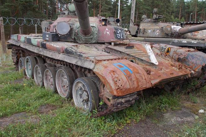 Czołg średni  T-72 nr.rej. UBC 0293 (2)