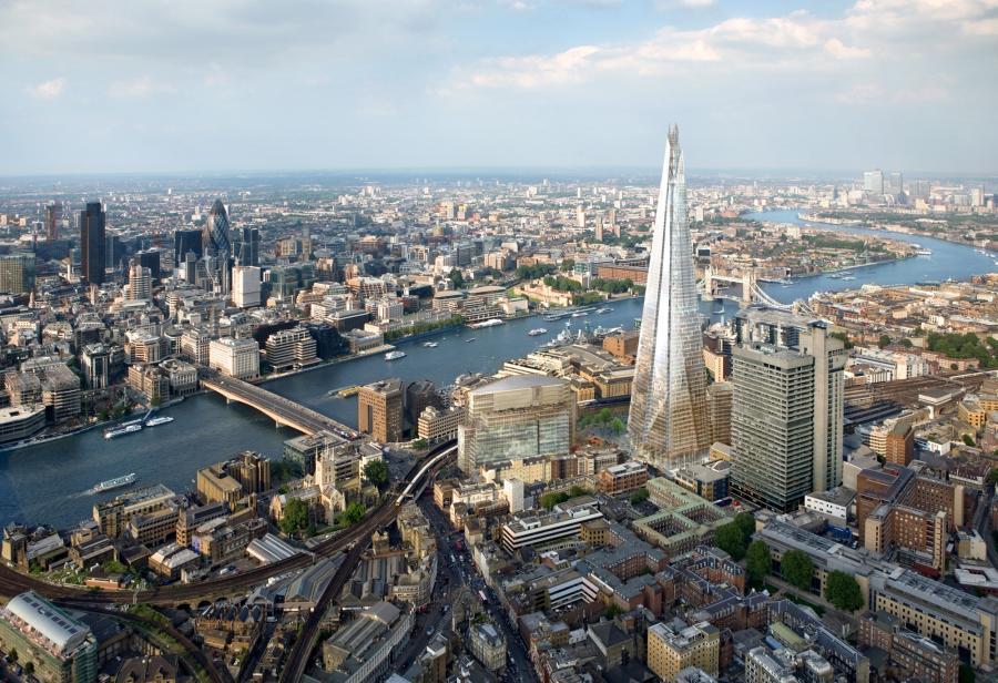 Shard London Bridge ma mieć 305 m (310 m z anteną) i 73 piętra i po ukończeniu w 2012 r. będzie najwyższym budynkiem w Unii Europejskiej.