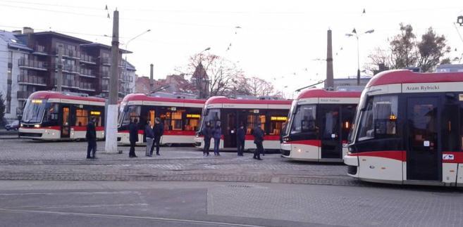 Pięć nowych tramwajów Jazz Duo na torach w Gdańsku