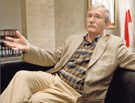 prof. dr. hab. Ryszard Rapacki, kierownik Katedry Ekonomii II Szkoły Głównej Handlowej w Warszawie Fot. Wojciech Górski