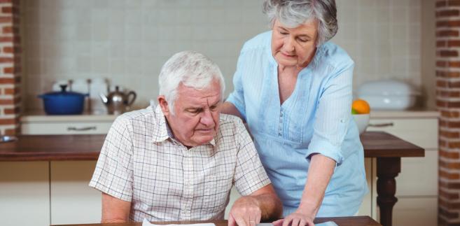 emeryci, emerytura, seniorzy, świadczenia