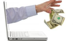 komputer; pieniądze; ręce