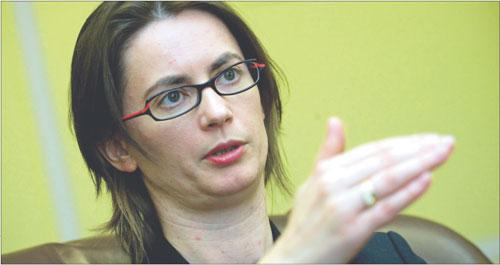 Katarzyna Zajdel-Kurowska, wiceminister finansów, w MF odpowiada m.in. za dług publiczny. Wcześniej główny ekonomista w Citibanku Handlowym. Współzałożyciel Polskiego Stowarzyszenia Ekonomistów Biznesu