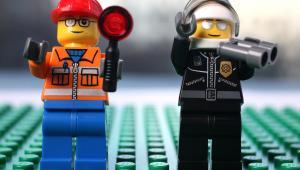 Figurki Lego, fot. Simon Dawson/Bloomberg