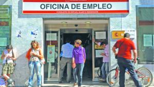 Badacze bezrobocia wiedzą doskonale, że brak pracy nie jest jak katar, z którego się kurujemy i wszystko wraca do normy. Bezrobocie jest raczej jak narkotyk, który uzależnia BLOOMBERG